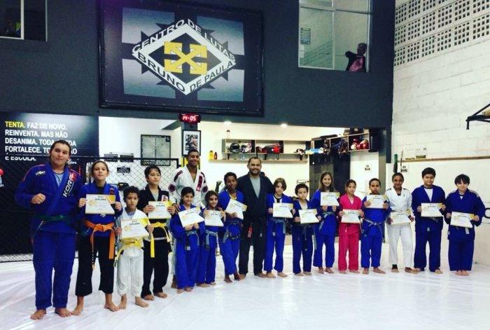 Notícias - Cerimônia de Troca de Faixa      B-Clan Kids 2018/1